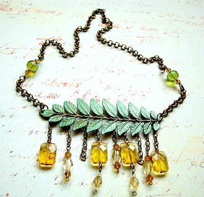 325 Antique Green Stem Necklace
