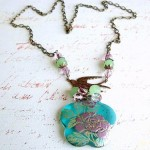 511 Floran Resin Focal Necklace