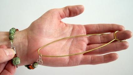 bracelet fastening tool