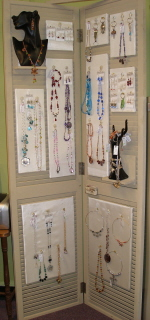 Bifold Door Total Jewelry Display