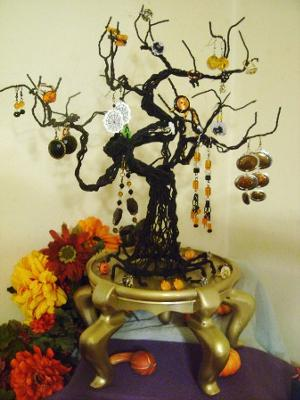 Spooky Wire Halloween Tree Display - Aylett Only