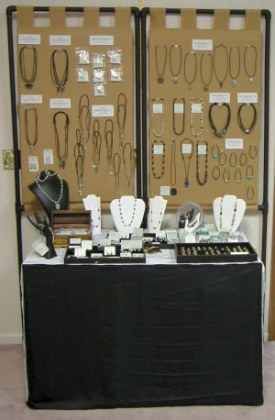 Small Jewelry Booth Idea