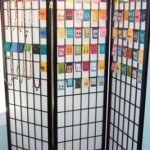 Tri-fold Screen Jewelry Display