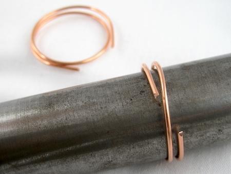 Zen spiral hoop earrings tutorial - wrap wires around mandrel
