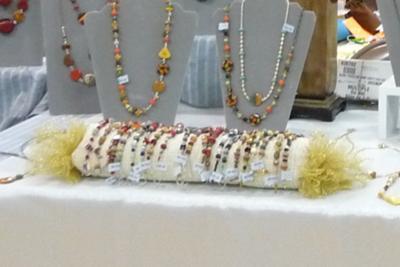 Easy Set up Bracelet Display