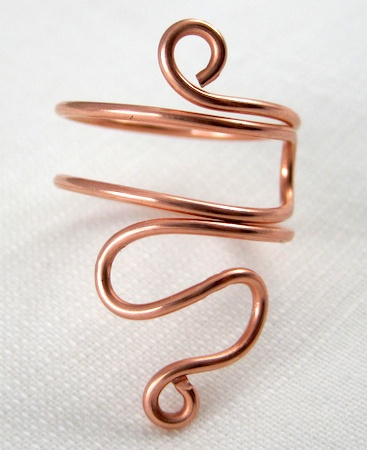 Folded wire rings tutorial by Rena Klingenberg