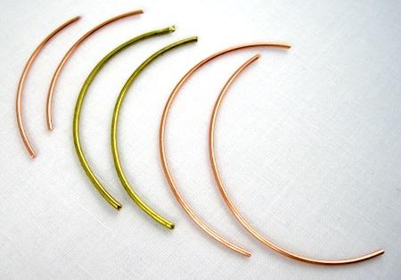 Face-Framing Wire Earrings Tutorial by Rena Klingenberg