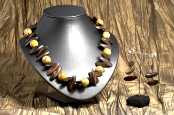 Consigning Jewelry to Shops and Galleries