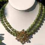 1940s brooch became the focal for a choker of faceted chrysoprase