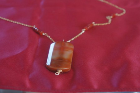 carenlian and agate gold necklace.