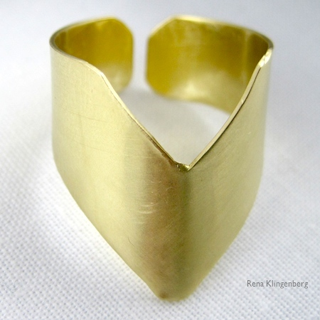Adjustable chevron ring tutorial by Rena Klingenberg