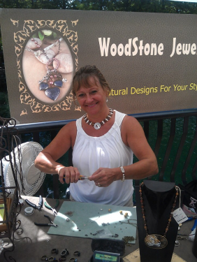 cindi-bernloehr at her jewelry booth
