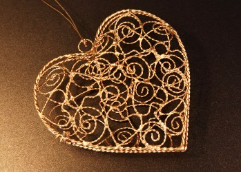 Sparkly gold heart pendant