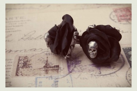 Burlesque Black Roses & Skull Cuff Links - Barnes Lovey De Luxe