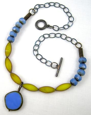 periwinkle-yellow-czech-glass-necklace-03