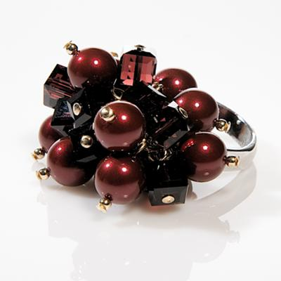 BORDEAUX – Swarovski Crystal & Pearl Cocktail Cluster Ring in Wine