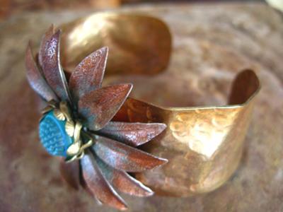 daisy-flower-cuff-bracelet-21564212