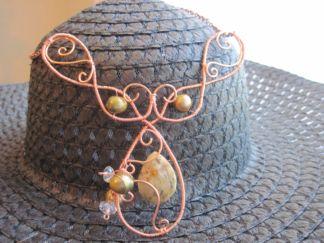 Wire and gemstone pendant by Araceli Osuna-Shaw