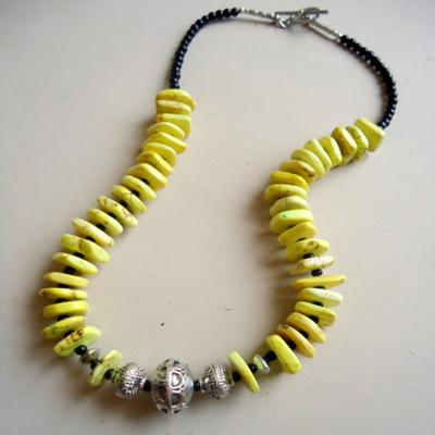 fun-funky-yellow-and-black-necklace-21537866