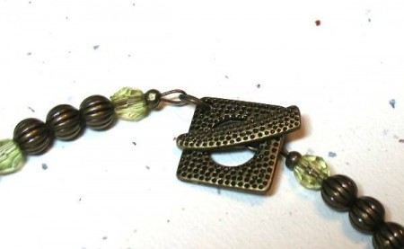 green-pearls-clasp-best