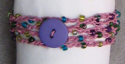how-to-make-hemp-bracelets-a-tutorial-21525482