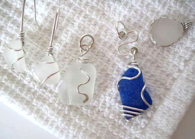Sea glass jewelry techniques by Lin Schneider