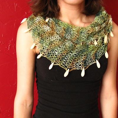 summer-mobius-cowl-scarf-with-wooden-beads-21581718
