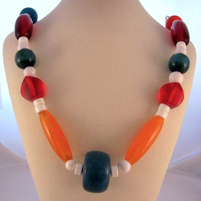 Testing Bakelite - which of these beads are the real thing?