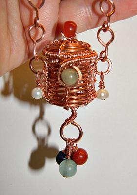 tiny-treasure-basket-necklace-tutorial-21407648