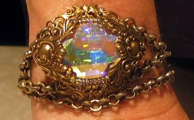 victorian-steampunk-bracelet-with-swarovski-stone-and-chunky-chain-21528191