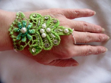 Reversible Lace Hand Jewelry, Brighter Side