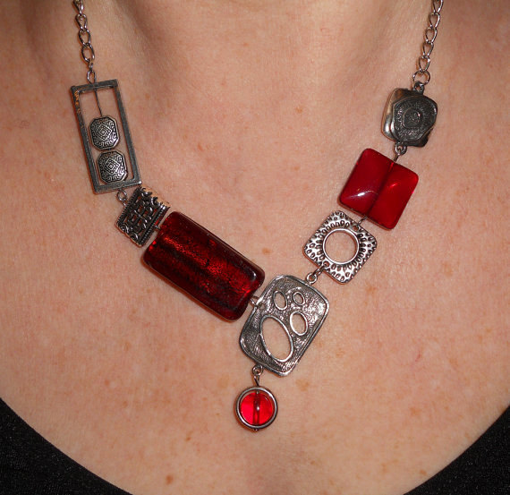 Funky Necklace in Silver & Red
