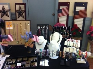 jewelry show table