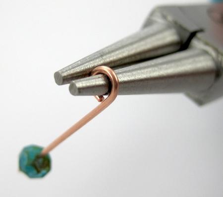 Making a plain wire loop - Waterfall Earrings Tutorial by Rena Klingenberg