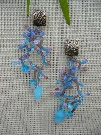 coral pattern beaded earrings