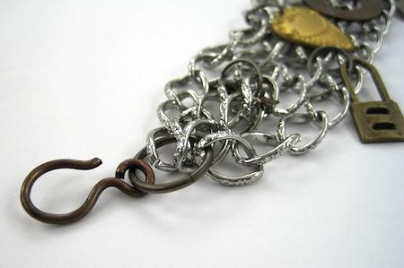 Adicionar um fecho - Tutorial de pulseiras e correntes, por Rena Klingenberg