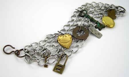Terminado Adicionar um fecho - Tutorial de pulseira de correntes e amuletos por Rena Klingenberg