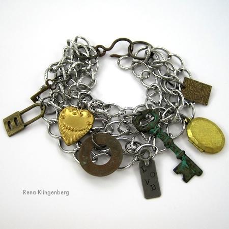 Chains and Charms Bracelet Tutorial por Rena Klingenberg