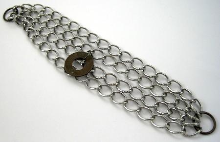 Tutorial de como fazer a pulseira de correntes e amuletos por Rena Klingenberg