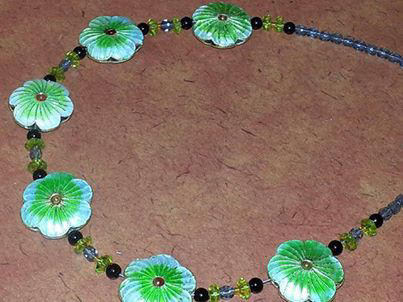 Close up design for necklace