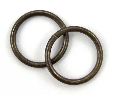 Large jump rings for Belt Buckle Bracelet - tutorial by Rena Klingenberg