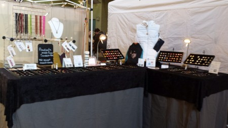 boutique jewelry booth display