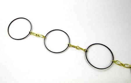 Fazendo colar dramático com elos de joias e restos de correntes - tutorial de Rena Klingenberg