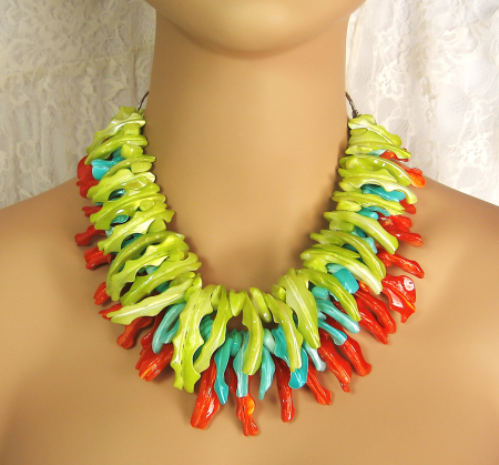 "Colorfully bold ""Tropical Delight"" - A heavy-duty chain in the back allows for adjustable length"