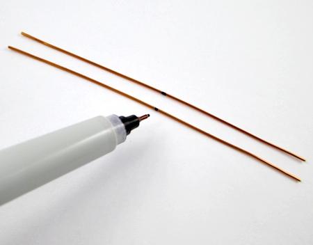 Marcando fios para brincos de contas mutáveis - tutorial de Rena Klingenberg