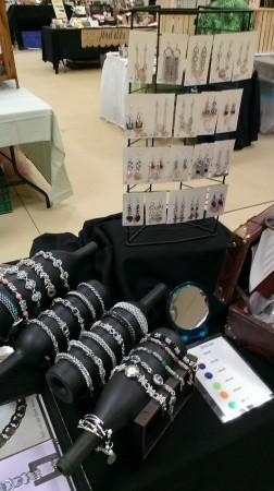 MAntonetti: Chain Maille Jewelry Display 3
