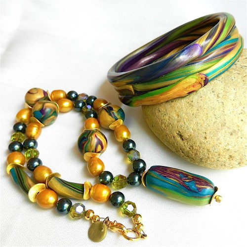 Polymer Clay Jewelry Set Reflects Costa Rican Bird Colors