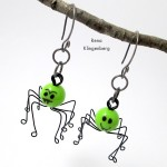 Creepy Crawly Spider Earrings (Tutorial)