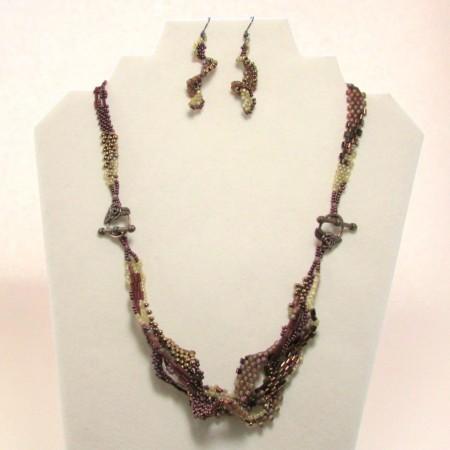 Dawn: Problem Bracelet into Eye-Catching Necklace 1