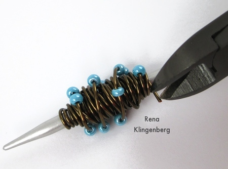 Trimming wire ends for Wire Focal Bead - tutorial by Rena Klingenberg